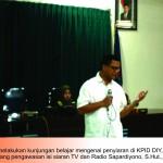 MAHASISWA AKRB BELAJAR PENGAWASAN PENYIARAN BERSAMA KPID DIY